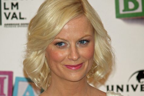 Amy Poehler receives her first Emmy