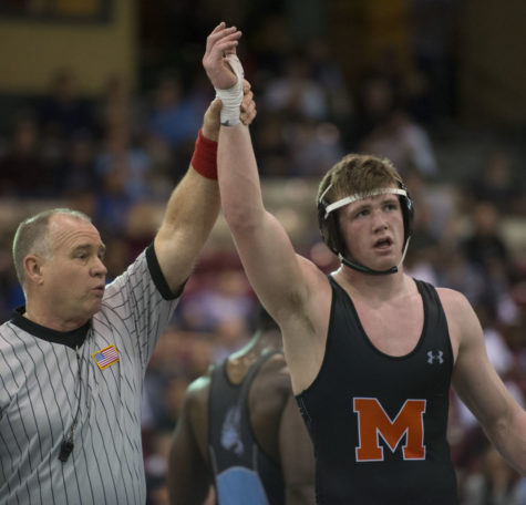 Farrow pins his first state title