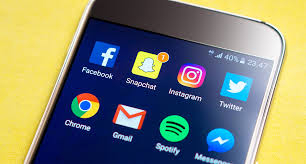 Opinion: Can students control their social media