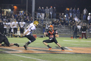 Football: Knights knockout Nardo in second half; take down Cavs 42-14