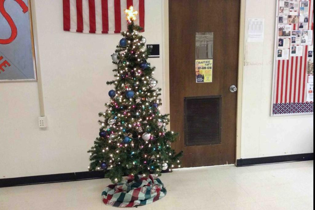 Students get ready for the holiday season