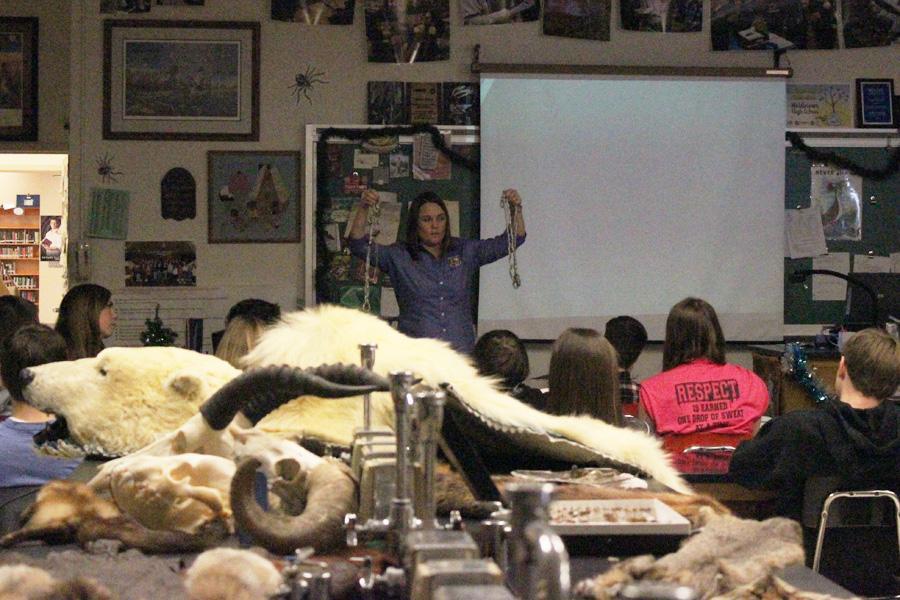 Guest speaker teaches class new tricks