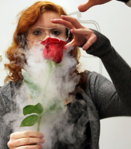 Students have fun with liquid nitrogen experiments