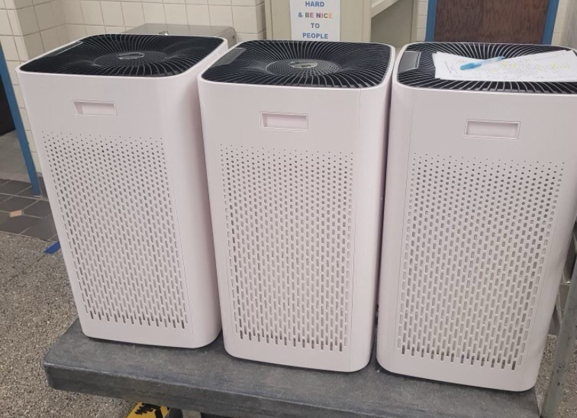 Air+purifiers+are+being+delivered+to+each+classroom.+Over+2%2C500+air+purifiers+with+the+HEPA+filter+were+provided.
